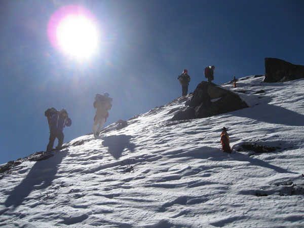 Trekking up the side of mount Kanchenjunga