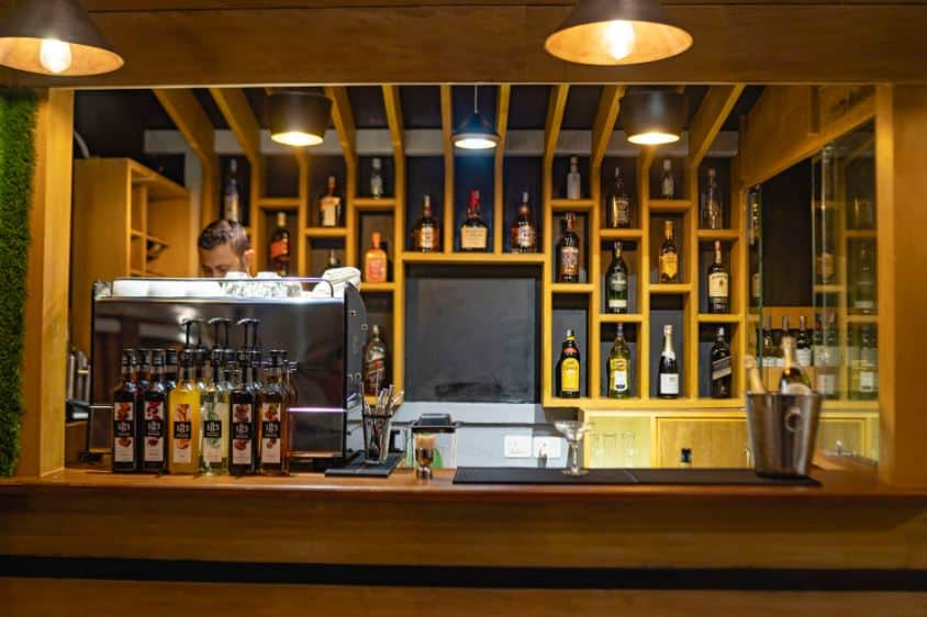 Traditional Stay bar