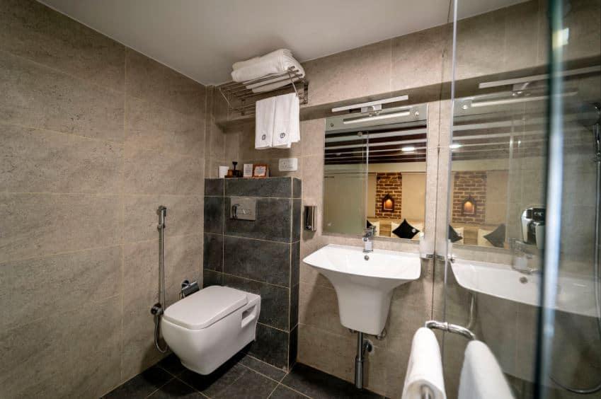 Traditional Stay bathroom