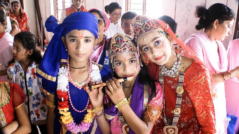 Young girls at the Krishna Janmastami festival